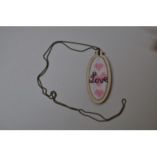 geborduurde halsketting
